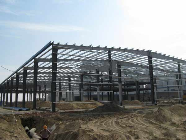 门式钢结构的优势有哪些?_大连鑫诚达钢构彩板有限公司